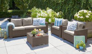 Komfort i wygoda, czyli o akcesoriach ogrodowych, które warto mieć